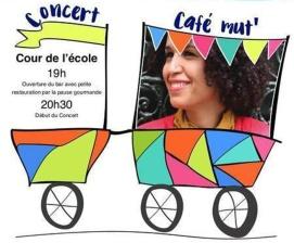 Noufissa Kabbou au Café Mut le 1/09/2017